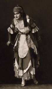 """Августа Миклашевская в роли принцессы Брамбиллы и швеи Гиацинта, спектакль """"Принцесса Брамбилла"""", предположительно 1917 год"""