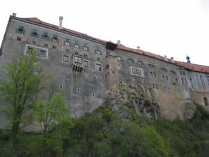 Отвесные стены Крумловского замка